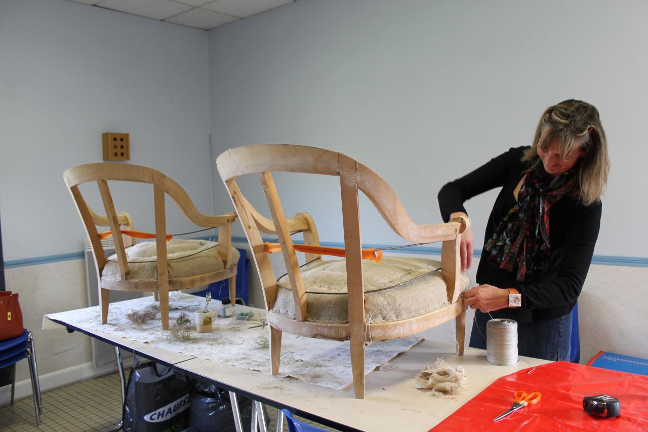 Tapisserie d 39 ameublement - Carcasse de fauteuil a restaurer ...